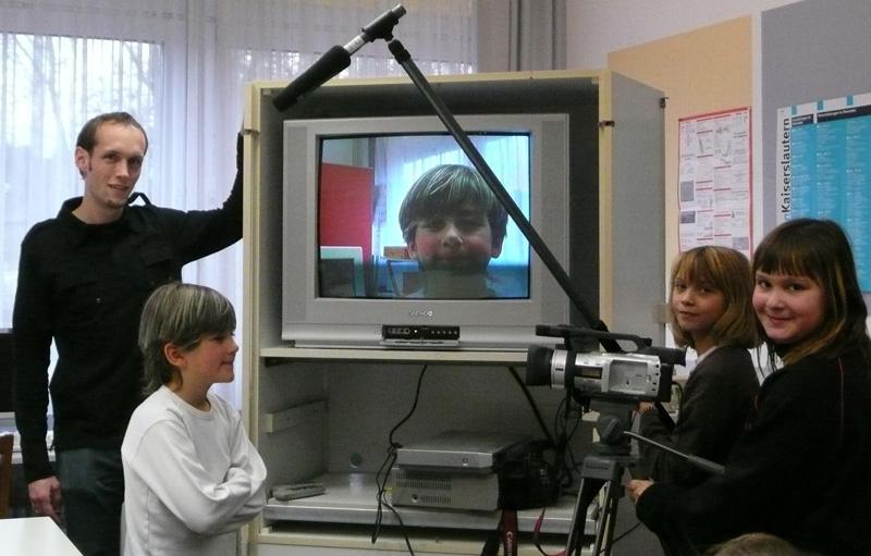 Helau, Kalau, Ahoi – Schüler stellen Videobriefe ins Netz