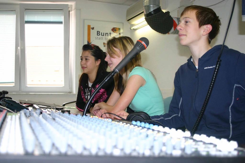 Ostseegymnasium aus Rostock bekommt renommierten Preis- Studiosendung von rok-tv