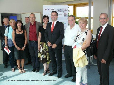 SPD-Fraktionsvorsitzender Hering und Abgeordnete informieren sich bei der LMK