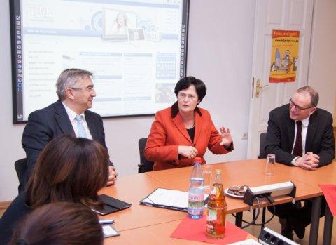 Ministerpräsidentin Christine Lieberknecht besucht die Thüringer Landesmedienans